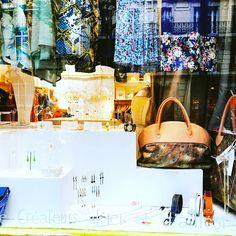 Le #MadeinHaiti en boutique luxueuse à Paris❤️❤️ #OUVERTURE : Vous étiez nombreux à nous le demander, le voici : nos Bijoux en Boutique physique ! Ouvert dès le 1er août , allez y profiter de nos prix bas ! Vous trouverez la boutique prestigieuse des créateurs (ShowRoom Créateurs) au 23 rue Faidherbe, 11ème, Ledru-Rollin Infos pratiques Showroom 23 23, rue Faidherbe 75011 Paris 11 Horaires : Du mardi au samedi de 10h00 à 19h00. Site web : http://showroom23.com/index.html Nous espérons…