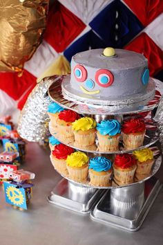 Kids Birthday Party Supplies Fresh Boy S Birthday Party Ideas Robot Birthday Robot Cupcakes, Robot Cake, 4th Birthday Parties, Birthday Fun, Birthday Ideas, Birthday Cake, Rosalie, Alien Party, Dessert Table