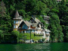 Villa on the shores of Lago di Como( Ticino Canton, Swisse)
