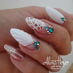 Try some of these designs and give your nails a quick makeover, gallery of unique nail art designs for any season. The best images and creative ideas for your nails. Hair And Nails, My Nails, Seashell Nails, Nail Effects, Modern Nails, Mermaid Nails, Super Nails, Perfect Nails, Perfect Pink