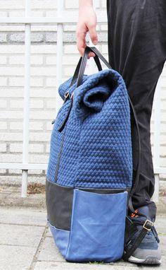 VoyatzerBackpack,unas bonitas mochilas diseñadas porAlexandros Kotoulas.   + + + +                — by alexquisite