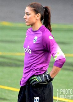 """baby-hope: """" Hope Solo (May """" Hope Solo Photos, Gal Gadot Wonder Woman, Soccer Quotes, Team Usa, Sporty Outfits, Goalkeeper, Track And Field, Athletic Women, Soccer Players"""