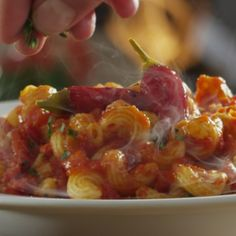 RT to welcome our new pastas to the Olive Garden family.Check them out for yourself at