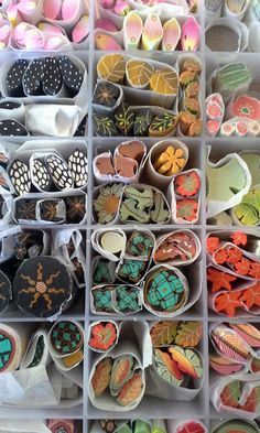 Mari O'Dell Extruder Artist – awesome polymer clay canes! (So, a great way to … Mari O'Del Polymer Clay Ornaments, Polymer Clay Canes, Polymer Clay Flowers, Polymer Clay Necklace, Polymer Clay Pendant, Fimo Clay, Polymer Clay Projects, Polymer Clay Creations, Handmade Polymer Clay