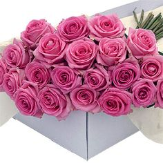 Flower Box Pink Roses delivery at your doorstep Flowers For You, Send Flowers, Unique Flowers, Christmas Flowers, Christmas Fun, Valentine Day Gifts, Valentines, Valentine Flowers, Flower Boxes