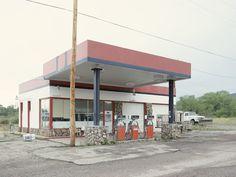 Iñaki Bergera Photography: gasstation18