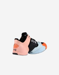 Yohji Yamamoto partnered with adidas to bring you designer sports fashion from the East. Come find the latest from Yohji Yamamoto today. Sneakers Fashion, Fashion Shoes, Fashion Accessories, Chunky Sneakers, Women's Feet, Sport Fashion, Adidas Shoes, Designer Shoes, Men's Shoes