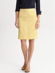 Print Pencil Skirt in pale gold - Banana Republic, I know you will make it into my closet this season