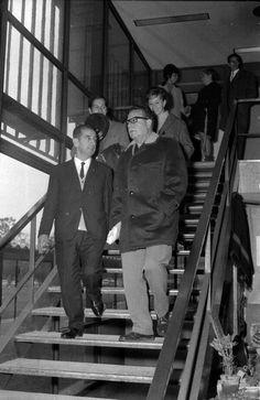 Salvador Allende, en su calidad de Senador, visitando la entonces UTE, actual Usach, 1967. Empanadas, Popular, Fictional Characters, Founding Fathers, Allegiant, Unity, Latin America, Lineman, Most Popular