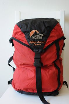Vintage Lowe Alpine Light Weight Summit Gear Pack by TheOldWell Mountain Equipment, Vintage Backpacks, Dark Mark, North Face Backpack, Backpacking, Country Life, Bags, Stuff To Buy, Outdoor