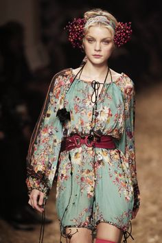 Jean Paul Gaultier at Paris Fashion Week Spring 2006