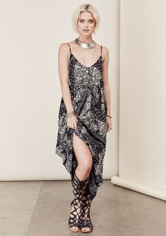 Gathered pocket maxi dress