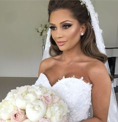 42 Ideas Bridal Photoshoot Makeup Brides For 2019 Bridal Makeup Looks, Bride Makeup, Wedding Hair And Makeup, Bridal Beauty, Wedding Beauty, Bridal Looks, Photoshoot Makeup, Bridal Photoshoot, Wedding Looks