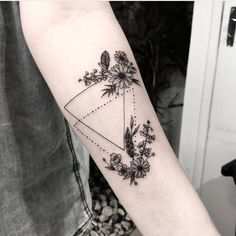 Have courage and be kind Dream Tattoos, Love Tattoos, Beautiful Tattoos, Black Tattoos, Body Art Tattoos, New Tattoos, Small Tattoos, Tattoos For Women, Tatoos