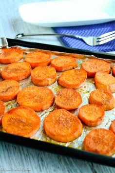 Roasted Sweet Potato Slices Soft and creamy on the inside with the spice of cinnamon and ginger on t Roasted Sweet Potato Slices, Oven Roasted Sweet Potatoes, Cooking Sweet Potatoes, Baked Sweet Potato Slices, Easy Sweet Potato Recipe, Baked Sweet Potato Chips, Oven Potatoes, Sweet Potato Patties, Sweet Potato Recipes Healthy