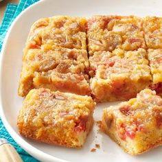 Rosy Rhubarb Upside-Down Cake - Backen - Rhabarberkuchen Rhubarb Upside Down Cake, Rhubarb Cake, Brunch Recipes, Cake Recipes, Dessert Recipes, Easter Recipes, Fruit Recipes, Just Desserts, Delicious Desserts