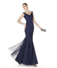 Cocktail dress. ALDORA Style. Cocktail Collection 2015. Pronovias 2015. neckline and shoulder
