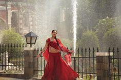 Sonakshi Sinha completes five years in Bollywood so does Dabangg Bollywood Celebrity News, Bollywood Actors, Bollywood News, Bollywood Celebrities, Indian Film Actress, Indian Actresses, Salman Khan Photo, Lengha Choli, Actress Anushka