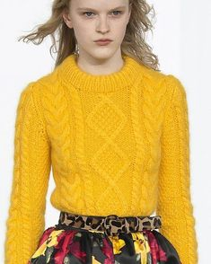 New knitting fashion bag michael kors 46 ideas Knitwear Fashion, Knit Fashion, Fashion Bags, Fashion Outfits, Moda Crochet, Michael Kors Fall, Winter Tops, Yellow Fashion, Knitting Designs