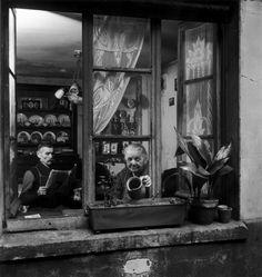 CONCIERGE, RUE DU DRAGON, 1948