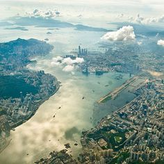 Another breathtaking shot of Kowloon & Hong Kong island. Hmmm perhaps I should create a HK Board...