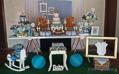Muito amor por esta #decoração para #chádebebê no tema #ursinhos e #coroas