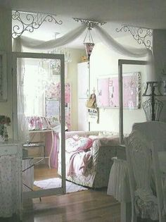 5 Wise Tips: Shabby Chic Kitchen Room shabby chic rustic party.Shabby Chic Home Beautiful Bedrooms shabby chic fabric fat quarters. Shabby Chic Mode, Casas Shabby Chic, Shabby Chic Vintage, Shabby Chic Interiors, Shabby Chic Bedrooms, Shabby Chic Kitchen, Shabby Chic Style, Shabby Chic Furniture, Shabby Chic Decor