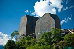 Parque Biblioteca Espana en Medellín, España por Giancarlo Mazzanti