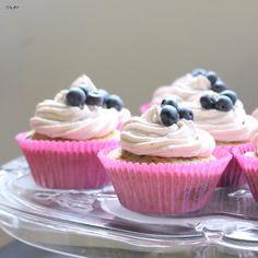 Täydellinen mustikkamuffinssi resepti Baking Ideas, Cupcakes, Chocolate, Desserts, Blog, Tailgate Desserts, Cupcake Cakes, Deserts, Chocolates