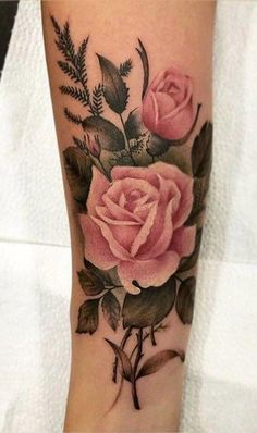 Beautiful Vintage Traditional Pink Floral Flower Tattoo Ideas for Women &; Beautiful Vintage Traditional Pink Floral Flower Tattoo Ideas for Women &; Nairoby C.P Tattoo arm frau Beautiful […] tattoo cover up Tattoo Henna, Feather Tattoos, Foot Tattoos, Body Art Tattoos, Tattoos To Cover Scars, Delicate Flower Tattoo, Vintage Flower Tattoo, Flower Tattoo Designs, Vintage Floral Tattoos
