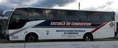 Vista lateral Bus Escuela de conduccion