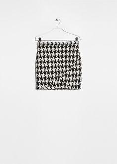#Minifalda cruzada pata de gallo #BICOLOR @MANGO 22.99€ #moda #primavera #verano #estilo #tendencia