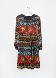 Vestido satinado estampado paisley MANGO OUTLET 15€