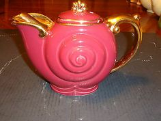WOW MEGARARE VINTAGE HALL MAROON WITH SPECIAL GOLD NAUTILUS TEAPOT EXCELLENT!!!