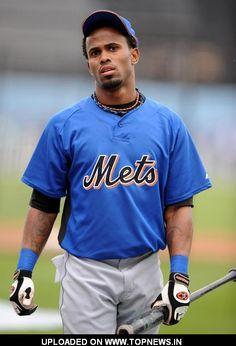 Jose Reyes is so cute Ny Mets, New York Mets, Jose Reyes, Lets Go Mets, Los Angeles Dodgers, Baseball Players, Goat, Evolution, Mlb