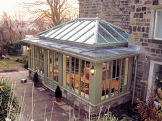 Orangery with stone dwarf wall, thinner columns, slim roof depth, window cills… Orangery Conservatory, Conservatory Kitchen, Conservatory Ideas, Kitchen Orangery, Garden Room Extensions, House Extensions, Orangerie Extension, Cottage Extension, Orangery Extension Kitchen