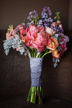 There's something about seeing the first signs of brightly colored flowers that makes spring a magical time. Bella Calla captured all of that brightly hued magic within this fabulous bouquet, which they were kind enough to share it with us! Just ...