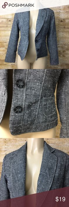"""Coldwater Creek Charcoal Tweed Career Blazer Sz 6 Coldwater Creek Charcoal Blazer. Tweed style material and fully lined on the inside. Micro pockets on each side and buttons up the front. Size 6. Armpit to armpit 19"""". Inseam 13"""". Great condition. Coldwater Creek Jackets & Coats Blazers"""