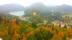 Spending a gorgeous autumn day visiting Neuschwanstein Castle – Where in the World is Tosh