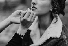 Wedding Style Shooting bridal make-up Wedding Planner: One Day Photografer: Hannah & René Make-up Artist: MINI Make-up Artist Bridal Make Up, Wedding Styles, Wedding Planner, Artist, Vintage, Instagram, Mini, Green, Wedding Photography