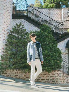 #ASTRO #eunwoo #fondos Cha Eun Woo, Asian Actors, Korean Actors, Kim Myungjun, Cha Eunwoo Astro, Astro Wallpaper, Lee Dong Min, Pre Debut, Sanha