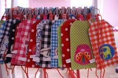 traktatie naaien - Google zoeken Diaper Bag, Mini, Google, Diaper Bags