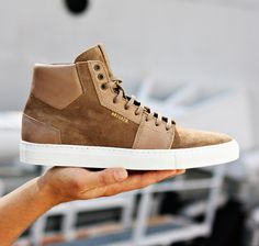 Axel Arigato high top sneaker in beige. #axelarigato #sneakers #mensfashion