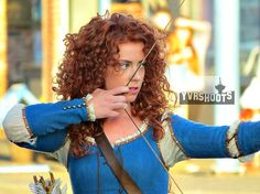 Princess Merida (Amy Manson) Shoots Arrow At Mr. Golds in Steveston - Behind the scenes - 5 * 5 - 21 August 2015