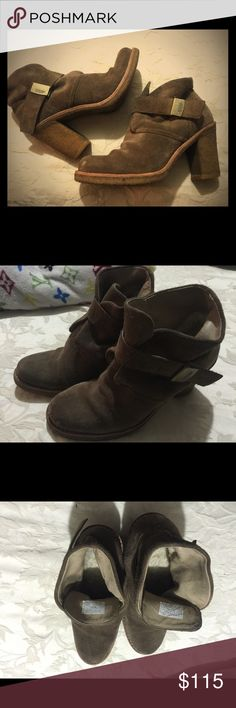 Ugg Boots size 8.5. Ugg Boots size 8.5. Worn (because I loved them - now want something new) vintage!! Take a close look at the pictures - I wore these a lot. 😊 Great shoes!! Please ask questions. UGG Shoes Ankle Boots & Booties