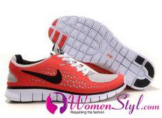women-Nike-Walking-shoes.jpg