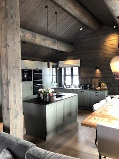 Cabin Design, Küchen Design, House Design, Modern Grey Kitchen, Green Kitchen, Chalet Interior, Gray Interior, Interior Design, Log Home Kitchens