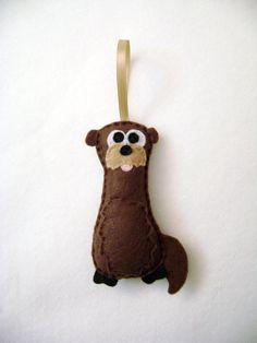 Felt Holiday Ornament - Otto the Otter    @RedMarionette