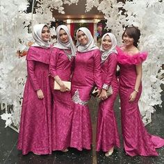 Super Dress Brokat Pink The Bride Ideas Dress Brukat, Hijab Dress Party, Hijab Style Dress, Dress Muslim Modern, Muslim Dress, Model Kebaya Modern Muslim, Dress Brokat Modern, Kebaya Hijab, Kebaya Muslim