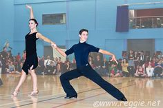 Begin jaren 50 dook deze Latijns-Amerikaanse dans op in de Amerikaanse danszalen.   De cha cha cha is de populairste van de Latijns-Amerikaanse dansen. Deze dans, in de volksmond cha cha genoemd, is in 1953 in Argentinië ontstaan vanuit de mambo.   De schepper van de cha cha is Enrique Jorrin.